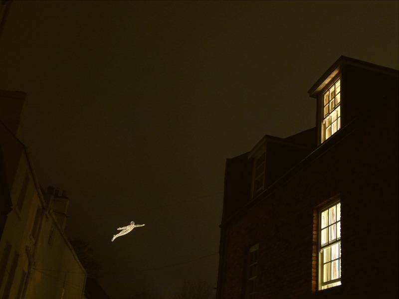 lhommr-volant-2-800x600-Durham-2011-800